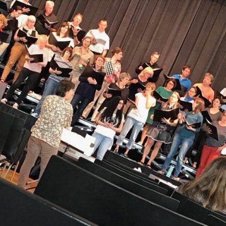 Rita William feat ircf choir
